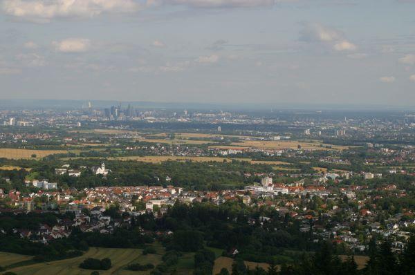 Blick vom Staufen über Kelkheim