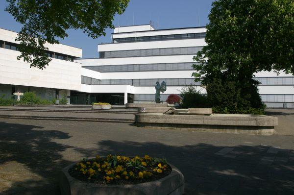 Vorplatz des Kelkheimer Rathauses