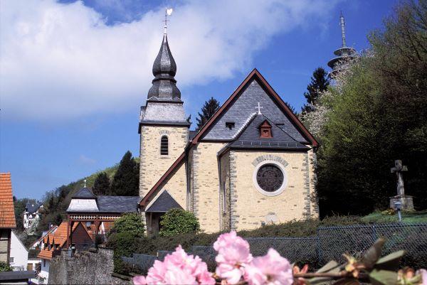 Ansicht der St. Josef Kirche in Eppenhain