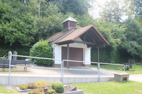 Trauerhalle des Friedhofs in Eppenhain